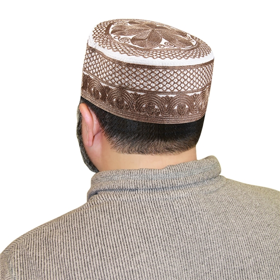 Men's Islamic Muslim Kufi Prayer Cap in White and Brown