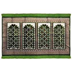 Four Person Green & Red Diamond Prayer Rug Tassles